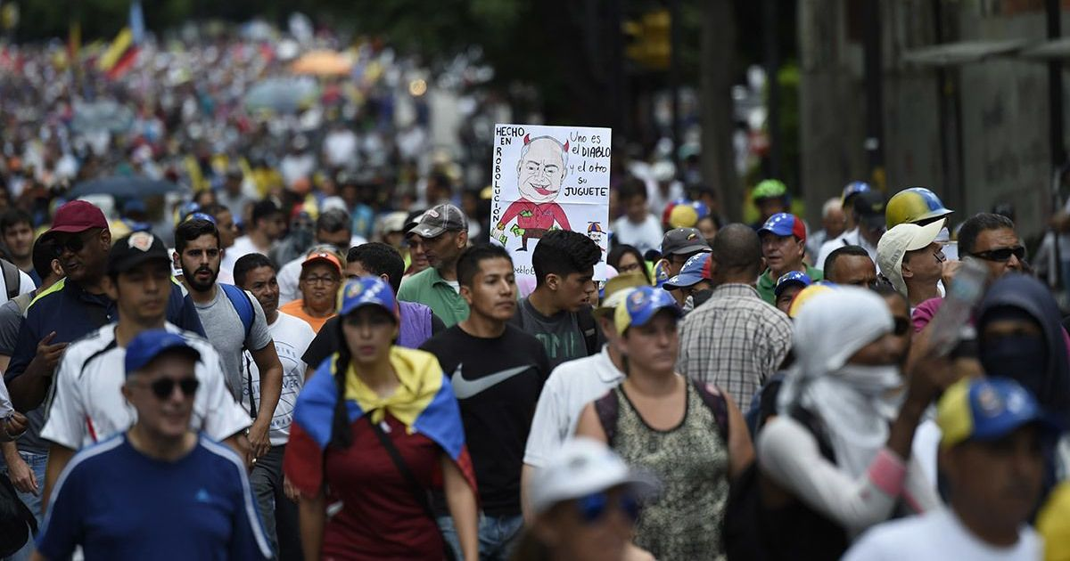 Why many Venezuelans are finding it hard to pick sides in the country's political turmoil