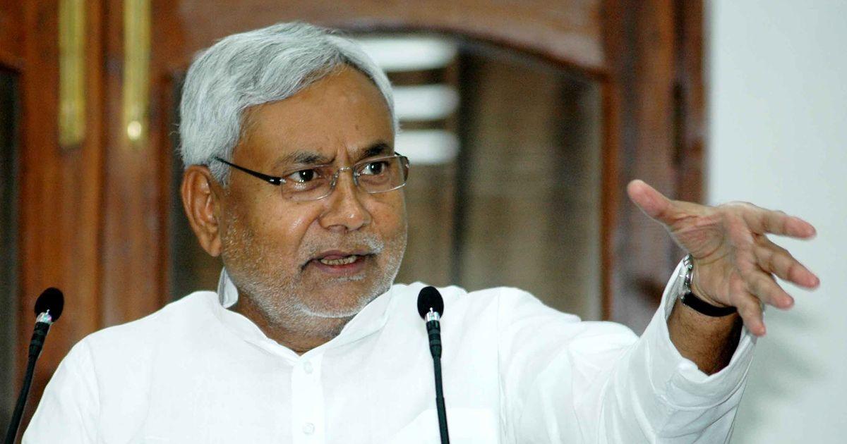 Break the JD(U) legislative party if you have the might: Nitish Kumar challenges Sharad Yadav