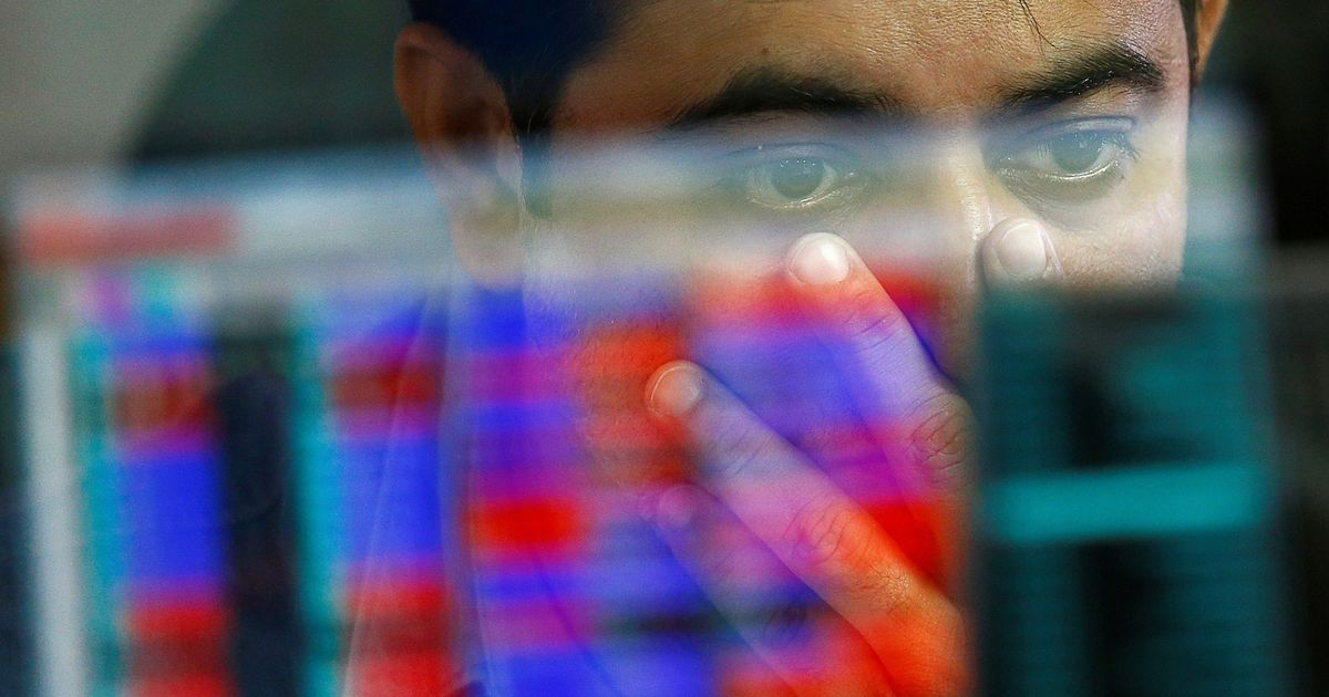Sensex, Nifty end marginally higher after shaky trading session