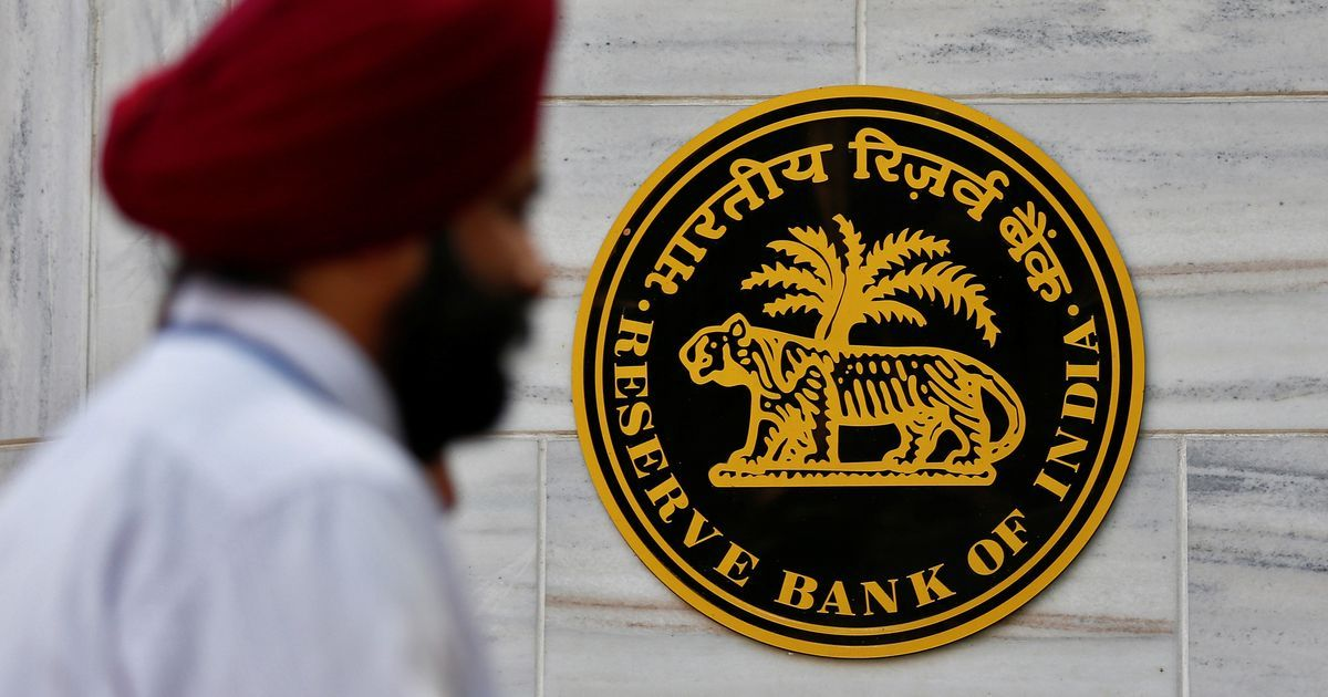 Offer simple financial products to help households enter formal markets, says RBI panel