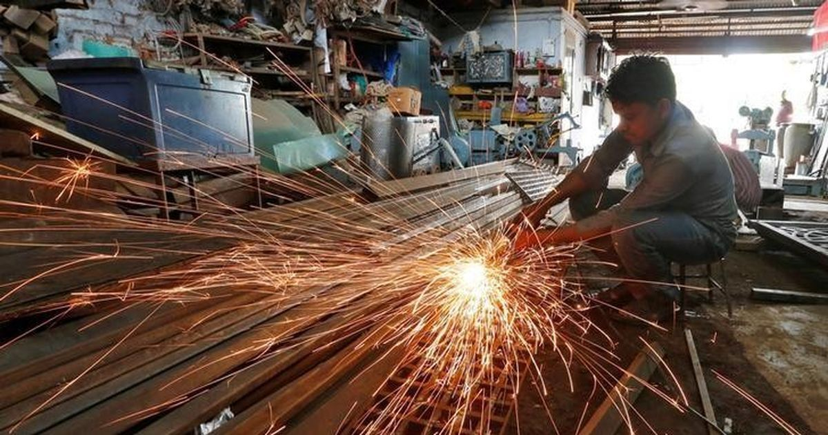 India's GDP growth slows to 5.7% in the first quarter of 2017 from 7.9% last year