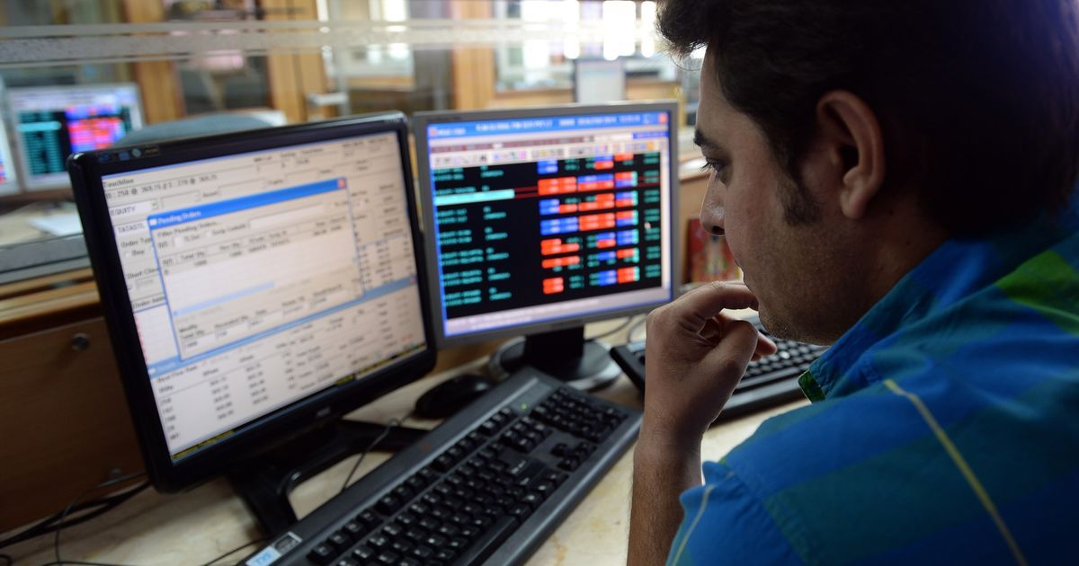Sensex ends at a three-week high, Nifty nears 10,000 again after a volatile week