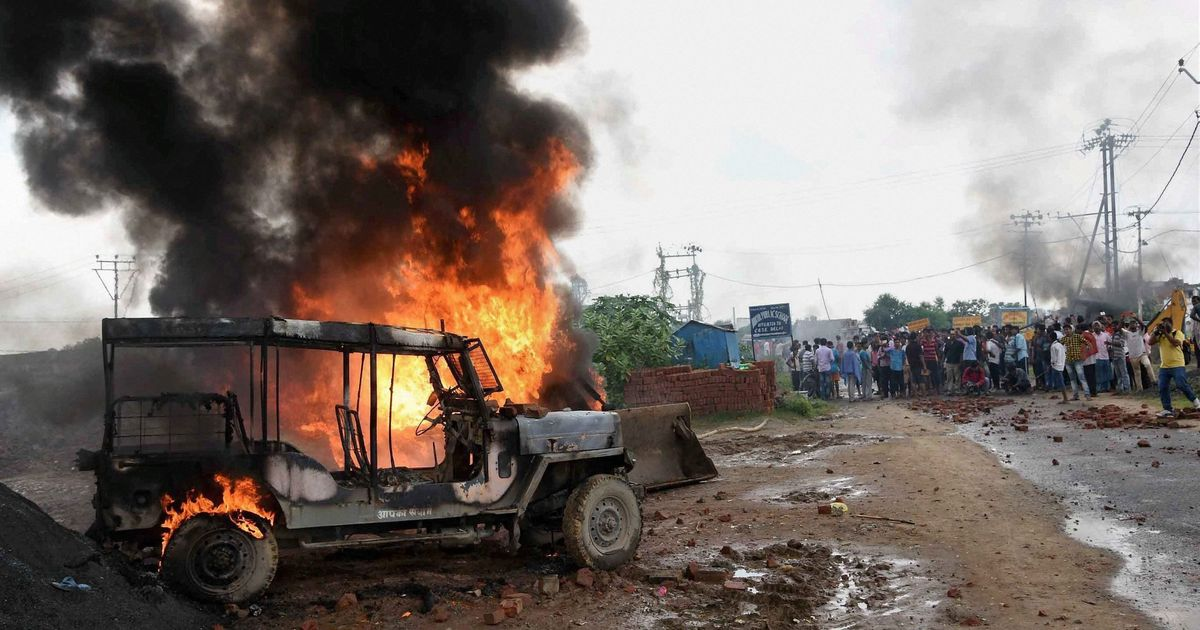 Patna: Mob protesting demolition drive clashes with police, at least 20 injured