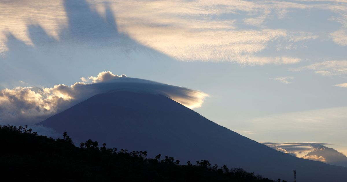 Indonesia: 50,000 people evacuated as volcanic eruption in Bali is imminent