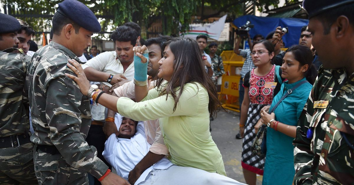 BHU protests: Vice chancellor orders judicial inquiry but denies police action against students