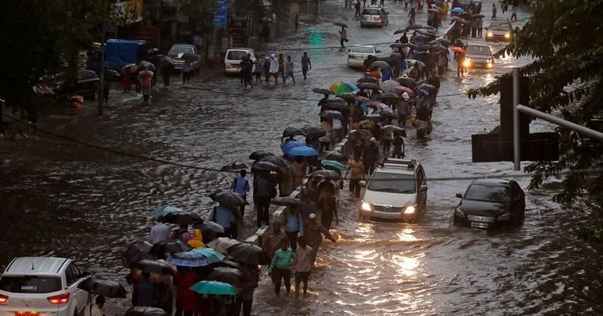 Heavy rain lashes Mumbai after above-normal temperatures over the week