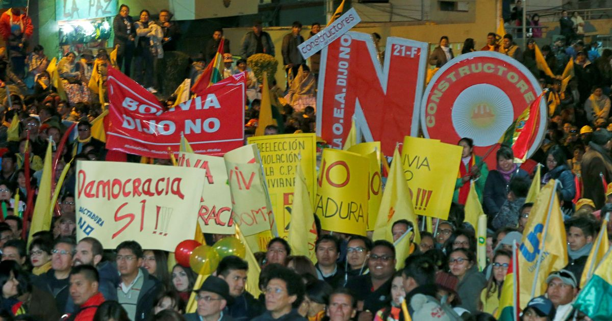 Bolivia: Thousands protest as President Evo Morales makes fresh attempt to retain office