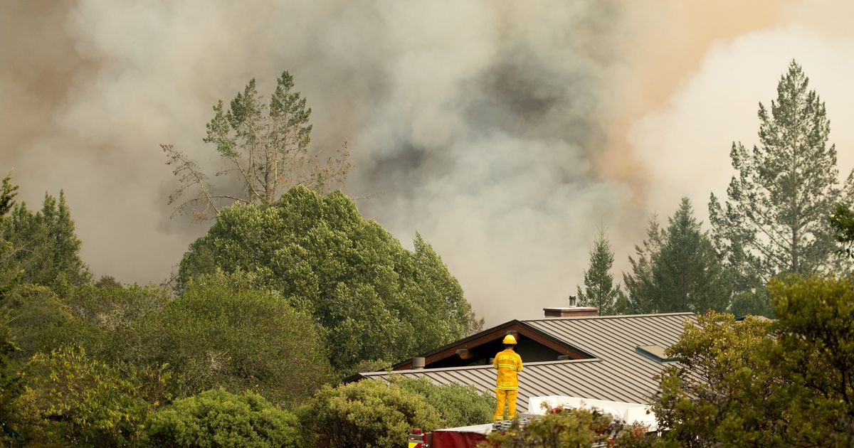 At least 17 killed in California wildfires, new outbreaks expected because of dry weather