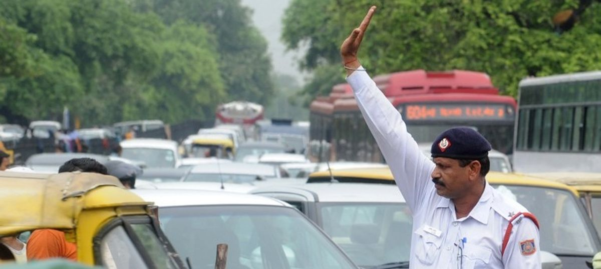 Delhi Traffic Police officers will carry guns in the next 10 days