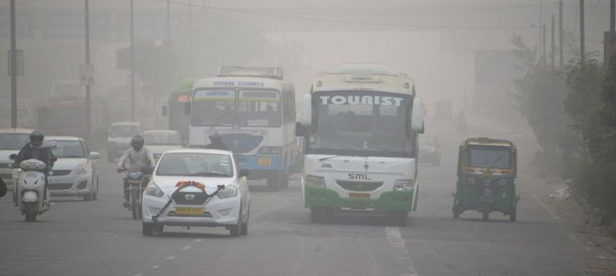 Delhi: Scientists warn of more smog over next few days due to low wind speed