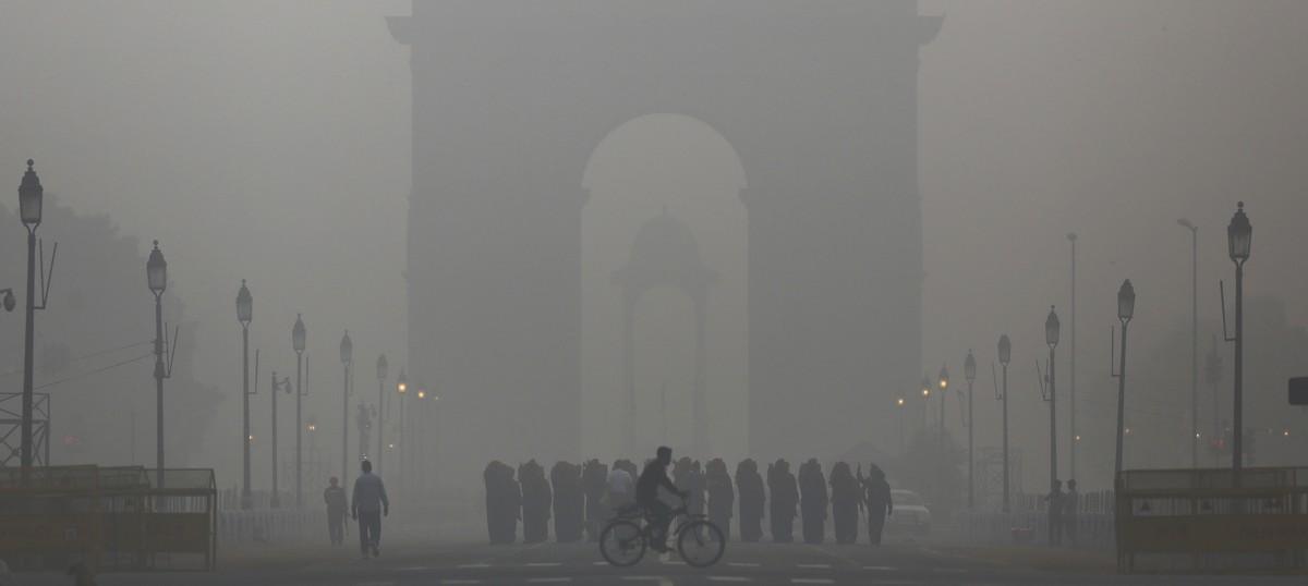 Does India need to shift its capital from smog-choked Delhi?