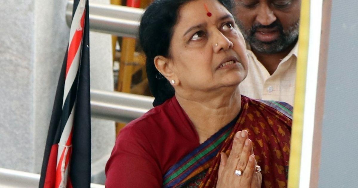 Income Tax officials raid Sasikala's properties in Chennai