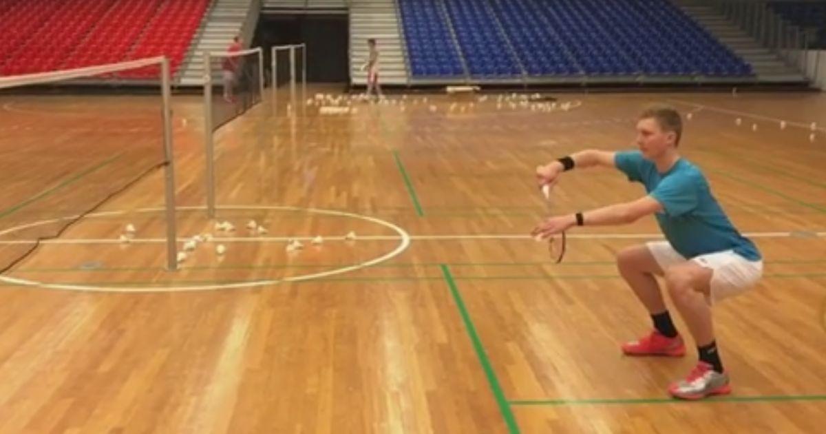 ⭐ Badminton singles serve rules