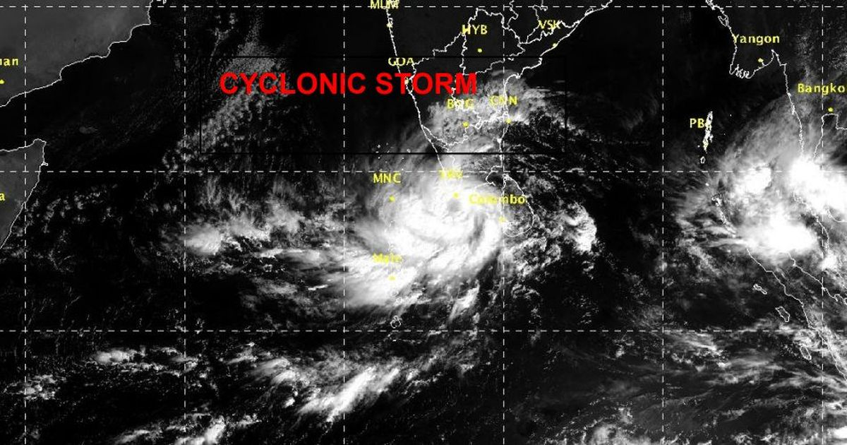 Cyclonic storm Ockhi kills five in Kerala, Tamil Nadu; dozens of fishermen missing