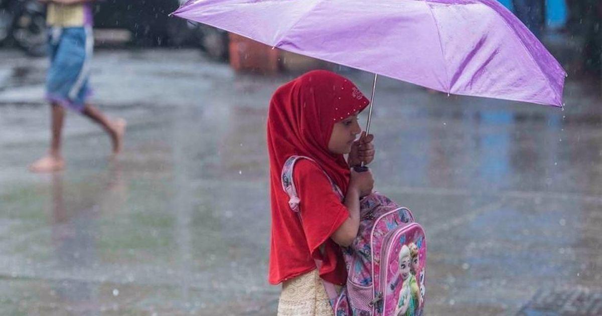 Cyclone Ockhi dissipates before making landfall in Gujarat