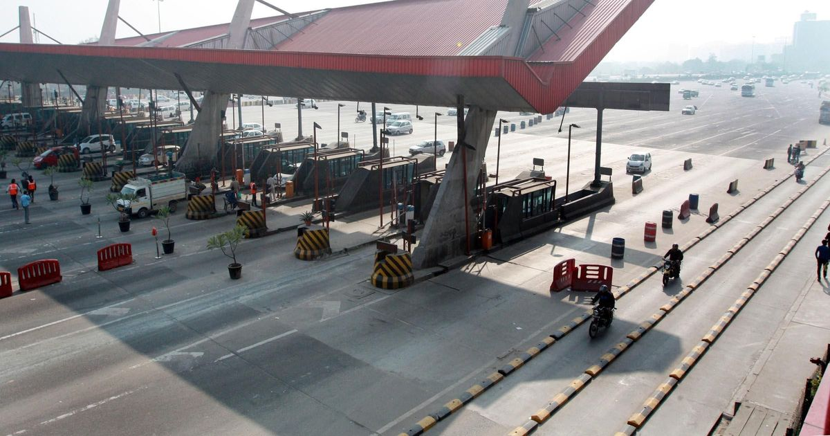 Highway authority asks toll plaza staff to salute, give standing ovation to soldiers
