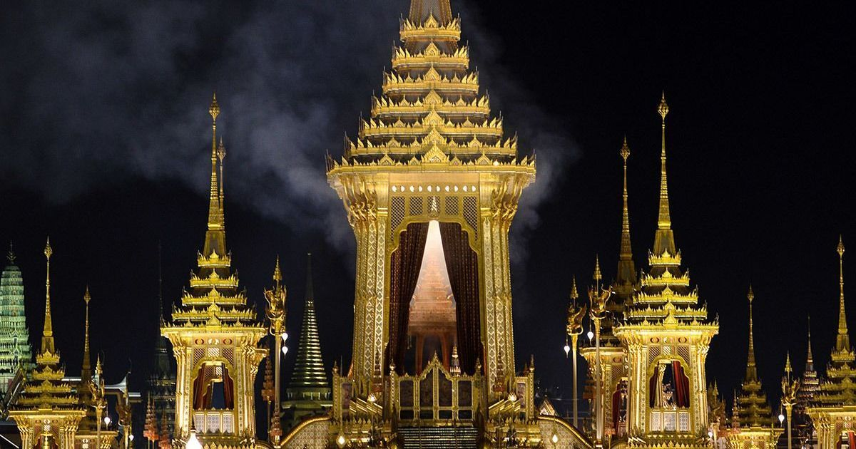 Ilustrations and photos from 19th century show elaborate Thai funeral traditions through history