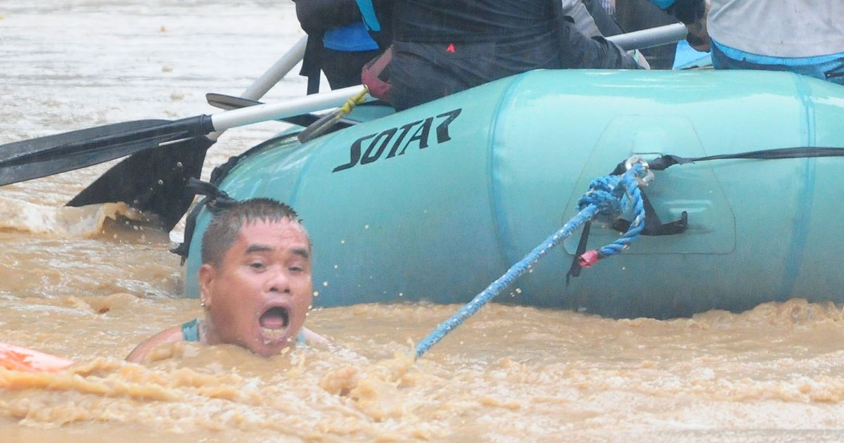 Philippines: Nearly 90 dead in mudslides and floods triggered by tropical storm Tembin