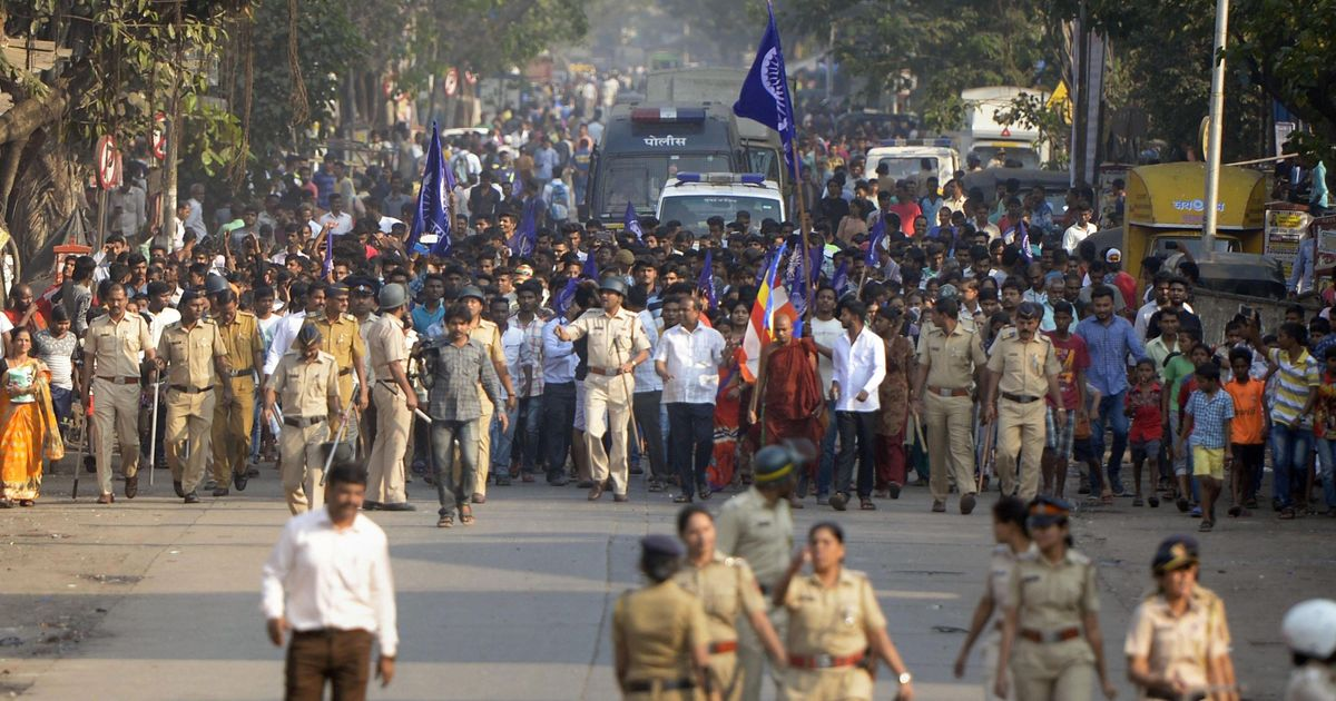 Mumbai: Five injured in Dalit protests, police detain at least 100