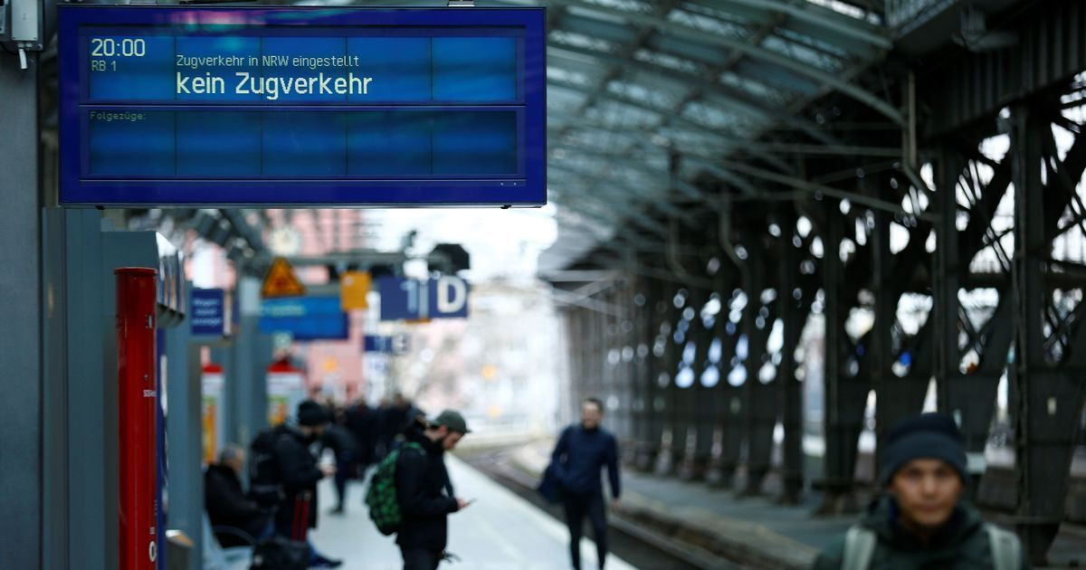 At least nine killed as powerful storm 'Friederike' rages across Europe