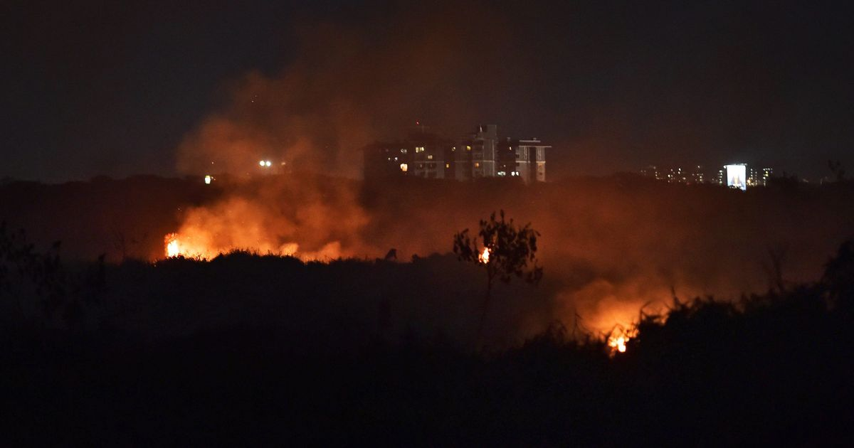 Bellandur lake fire brought under control after seven hours, 5,000 Armymen helped douse flames