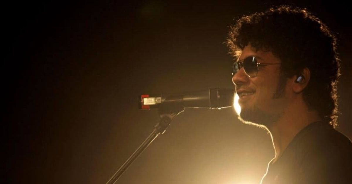 Complaint filed against singer Papon for kissing minor girl on set of reality show