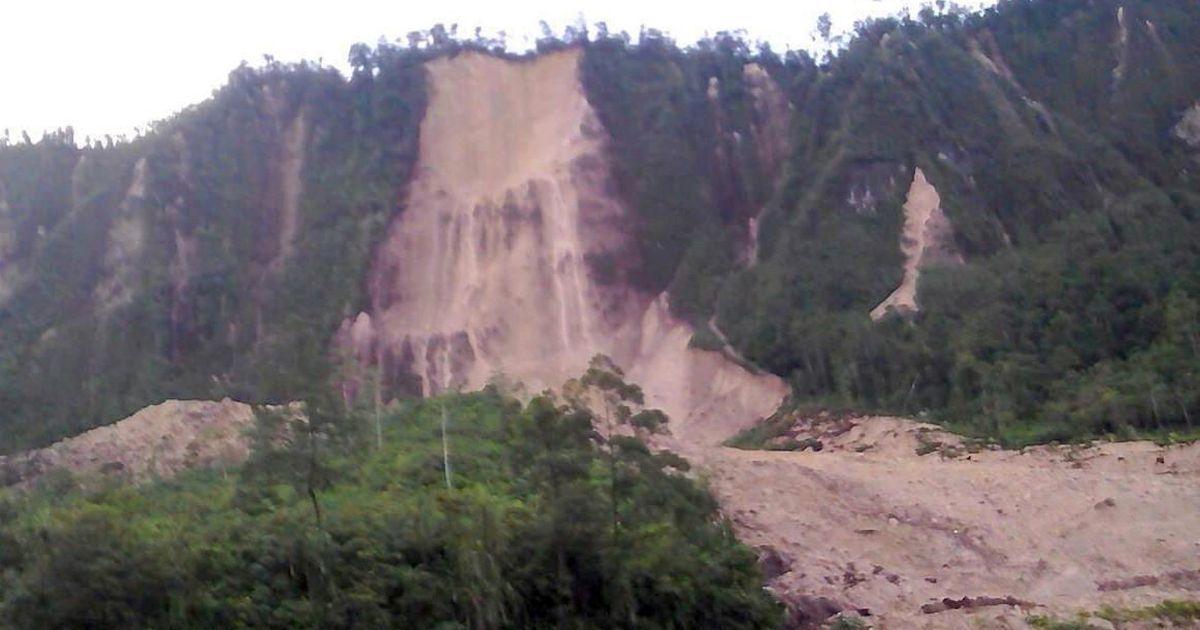 At least 30 dead as earthquake of magnitude 7.6 hits Papua New Guinea