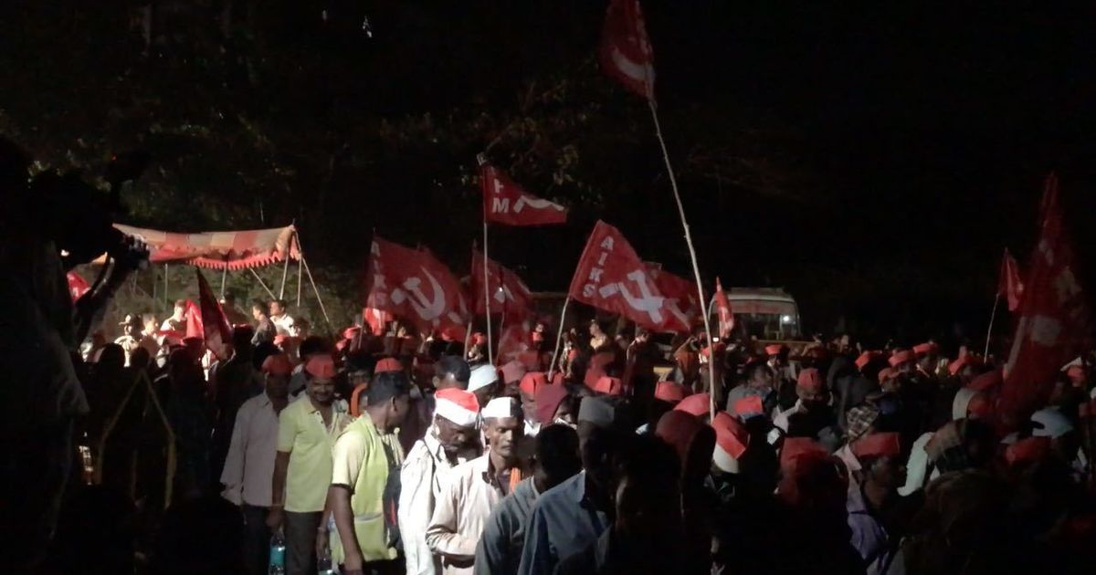 Photos: In Mumbai, no rest for thousands of farmers as the Long March continues overnight
