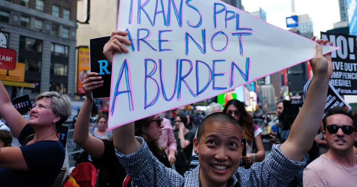 United States: White House asks military to stop enlisting transgender people