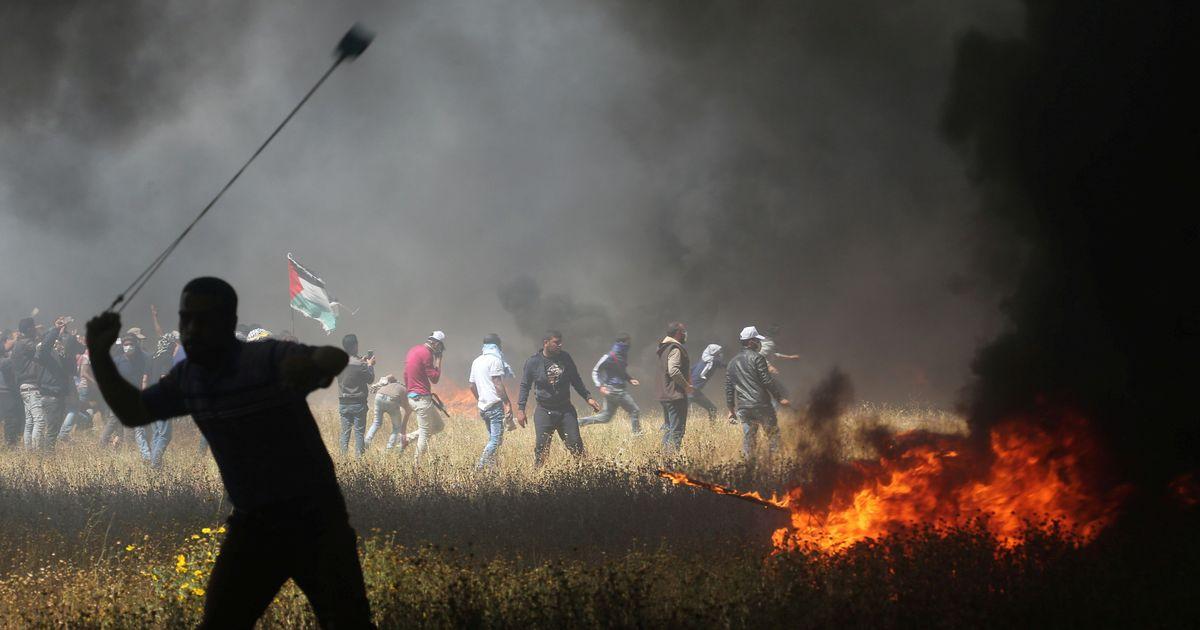 Israeli troops kill seven Palestinians as protests resume along Gaza border