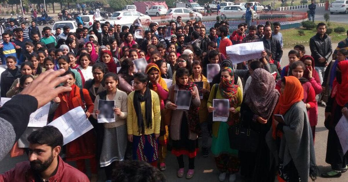 Kathua rape case: Crime Branch files chargesheet against 7 accused amid lawyers' protest