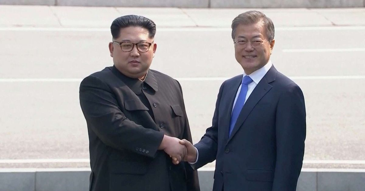 Pyongyang and Seoul vow to end Korean War after 65 years, decide to hold military talks next month