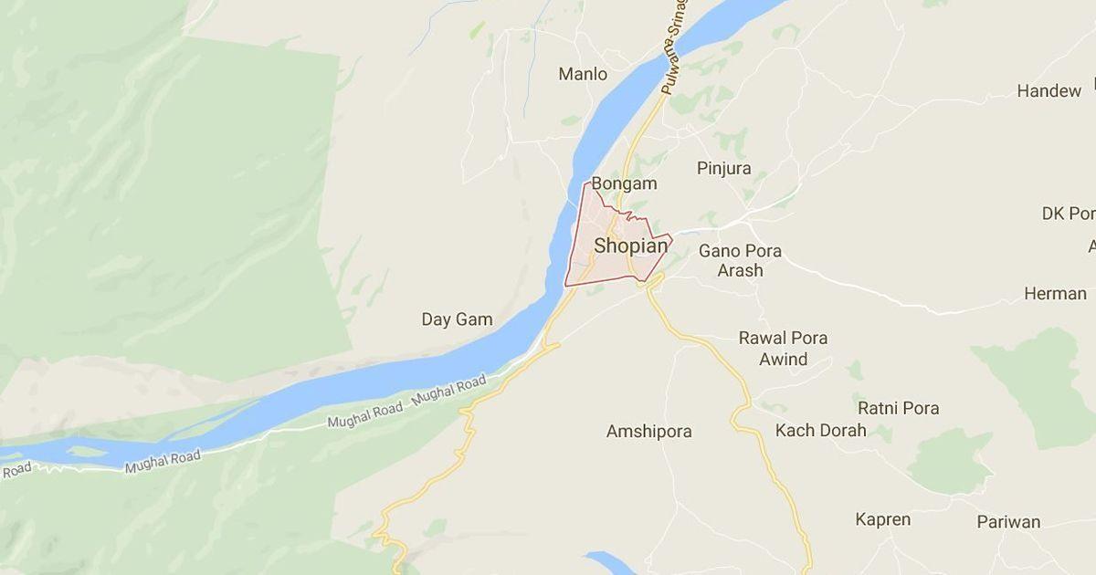 Kashmir: Two children injured in stone-pelting on school bus in Shopian