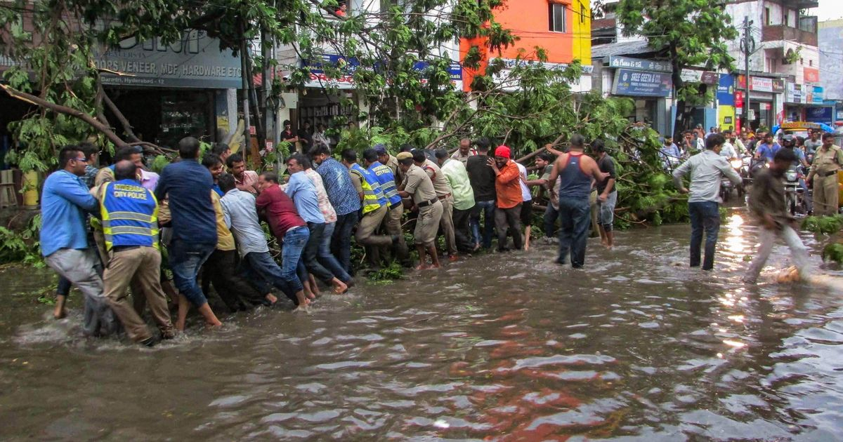 At least ten people killed in thunderstorms in Andhra Pradesh and Telangana