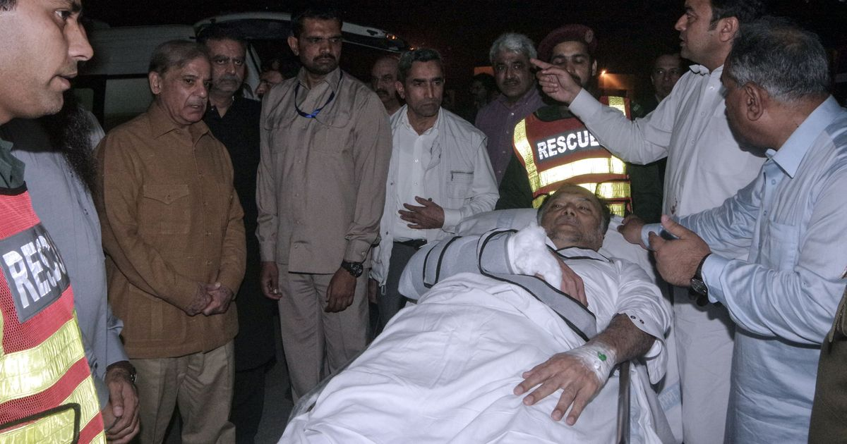 Pakistan interior minister Ahsan Iqbal shot at during a meeting, police arrest one of the attackers