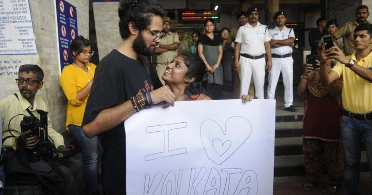 Readers' comments on Kolkata metro incident: 'Young people should go easy on displaying affection'