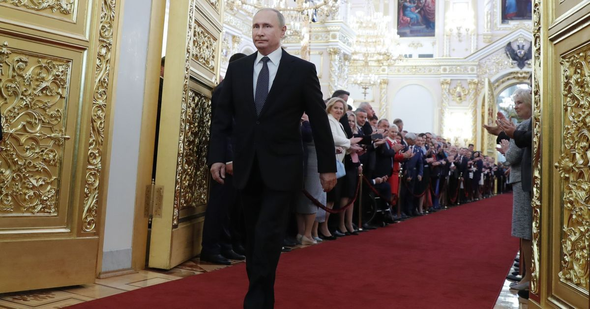 Russia: Vladimir Putin sworn-in as president for fourth time after anti-Kremlin protests