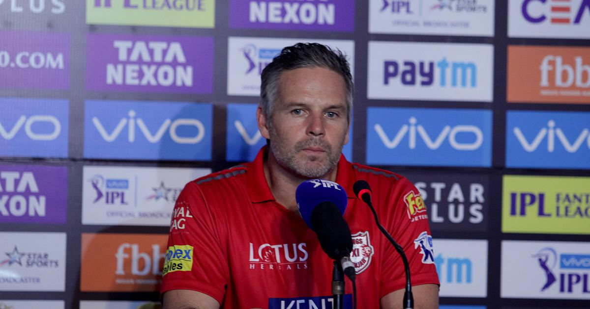 For coach Brad Hodge, Kings XI Punjab's failing middle order is only a 'slight area of concern'