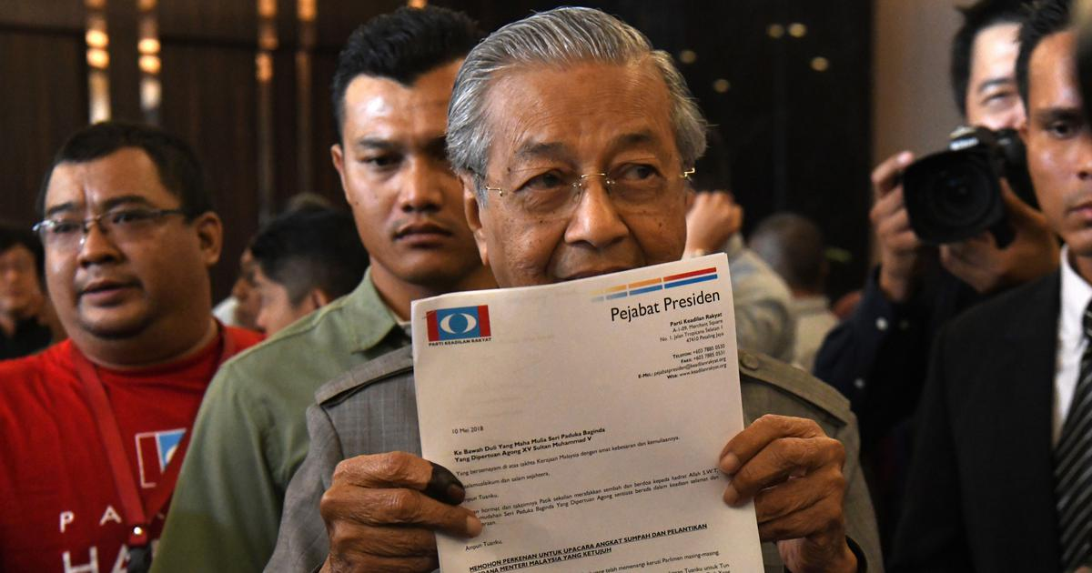 Malaysia: 92-year-old Mahathir Mohamad sworn in as prime minister