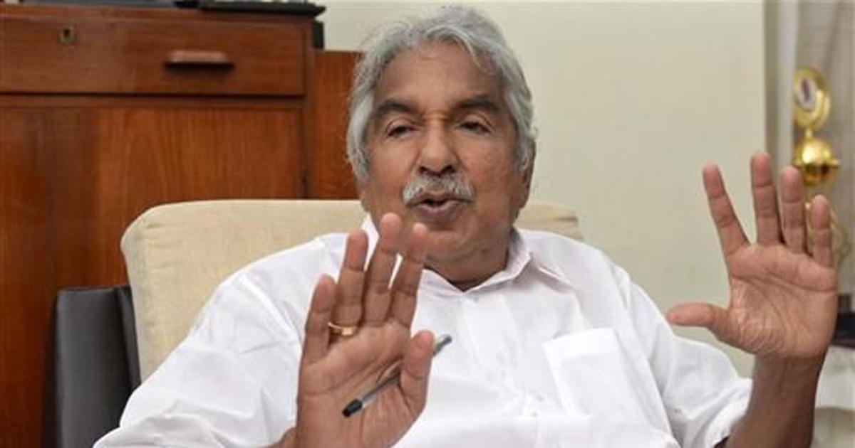 Solar scam: Remove sexual abuse charges against Oommen Chandy from inquiry report, says Kerala HC