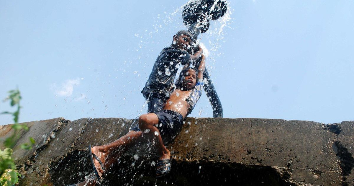 Delhi sizzles at 45 degrees Celsius, heat wave to continue till Wednesday