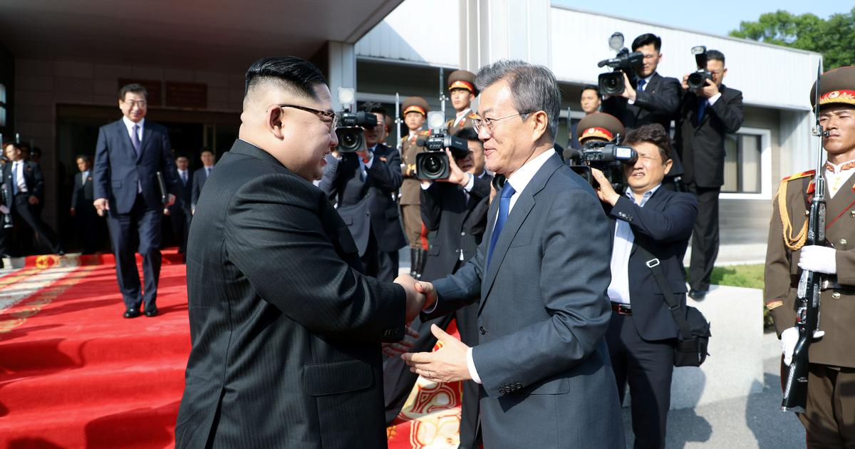 North, South Korea leaders hold surprise summit in effort to save US meet
