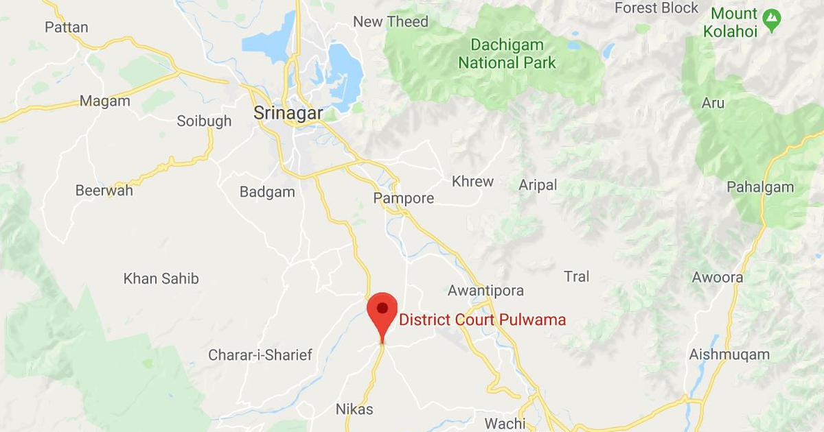 Jammu and Kashmir: Suspected militants kill two policemen at Pulwama court complex
