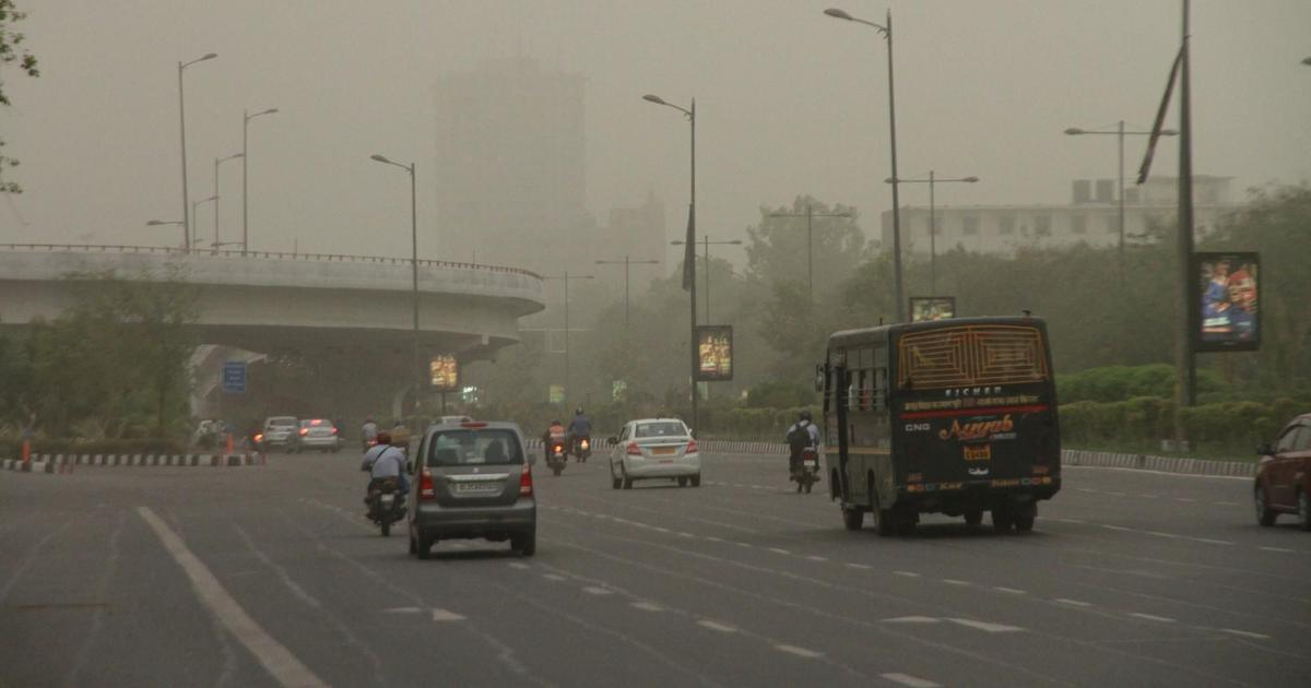 Delhi: Air quality still in 'severe' category despite slight improvement