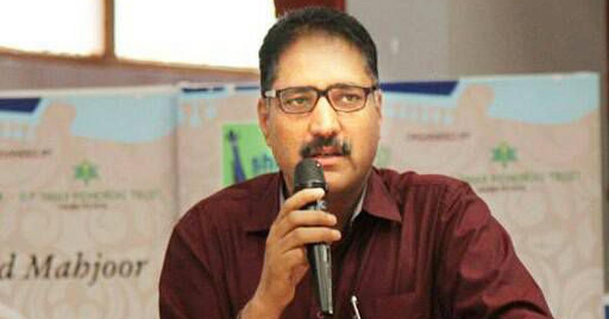 Separatist groups call for shutdown in Kashmir against killing of journalist Shujaat Bukhari
