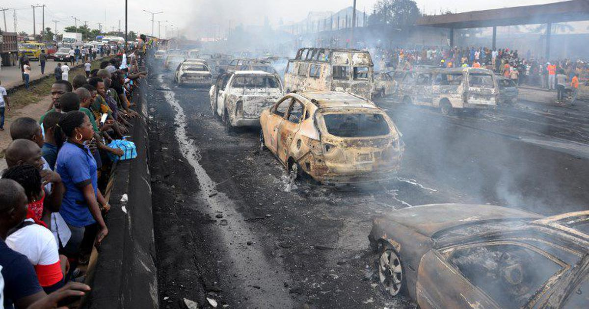 Nigeria: Nine killed, 53 vehicles burnt as oil tanker catches fire in Lagos