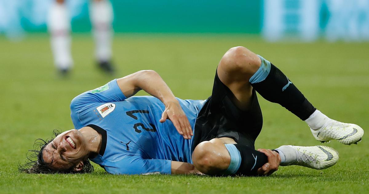 World Cup: Injured Cavani 'will do everything' to make sure he recovers in time for France match