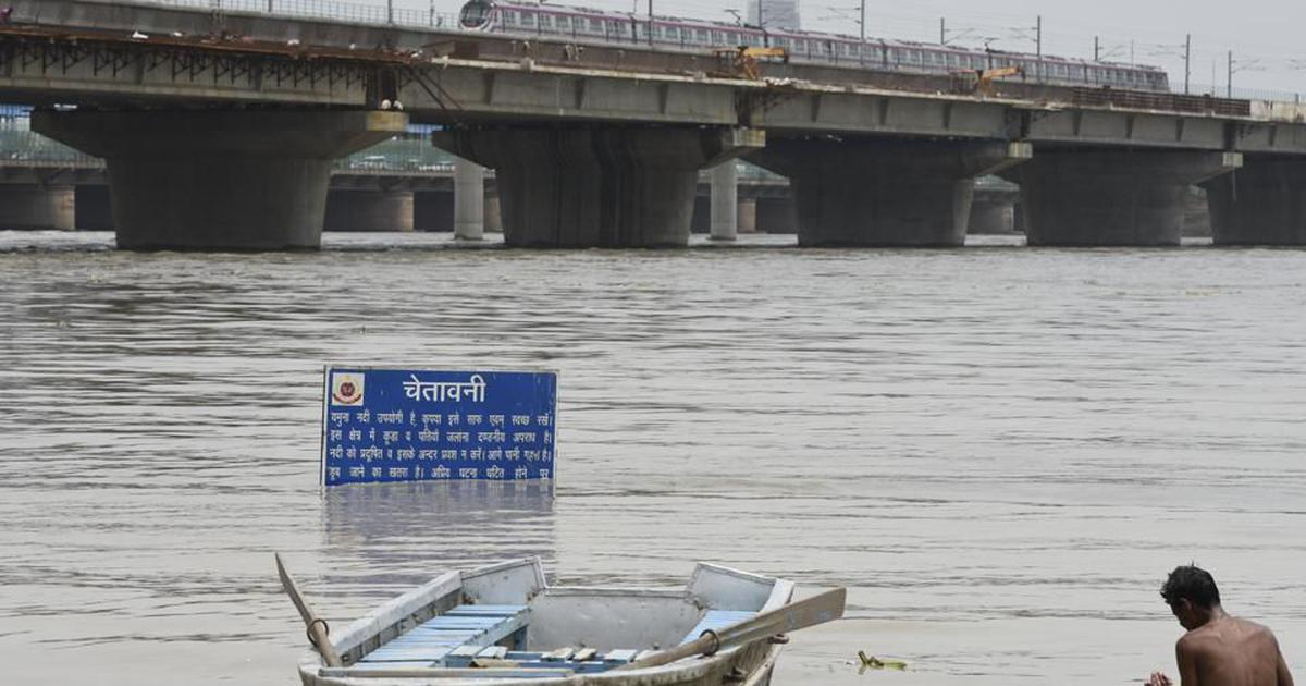 Delhi: Over 10,000 people evacuated from low-lying areas as Yamuna's water level continues to rise