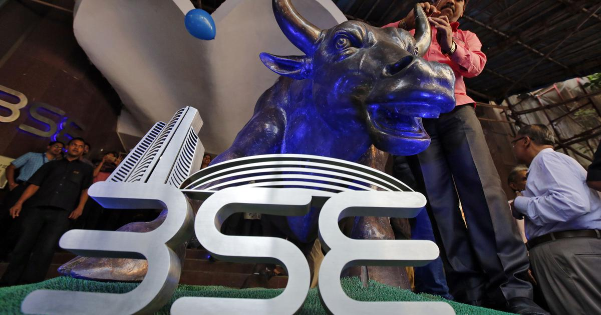 Sensex climbs over 390 points, Nifty closes on a high led by gains in banking stocks