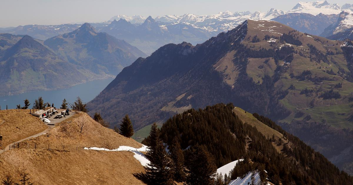 Switzerland: 24 people killed in two separate air crashes in the Alps